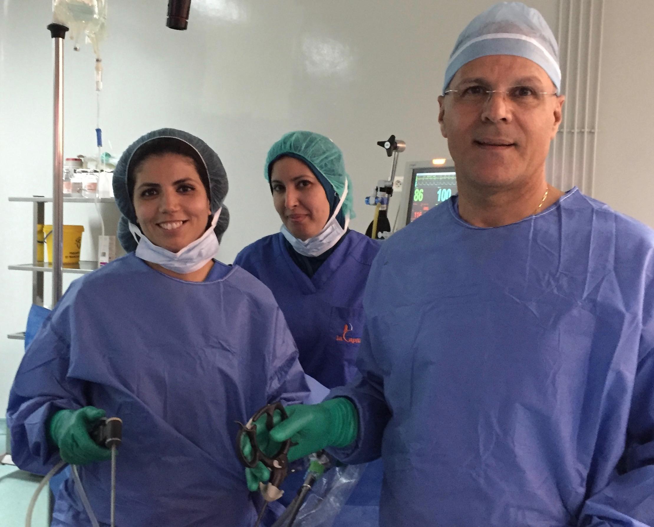 Laparoscopic hysterectomy.Intra abdominal hemisection